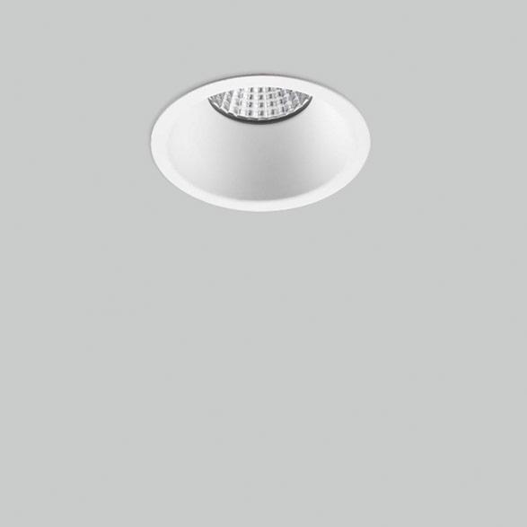 Hem konut hem profesyonel sektörlerde kullanabileceğiniz alçak tavanlı modern yaşam alanları için tercih edebileceğiniz spot serisi mekanlarınızı homojen aydınlatır.